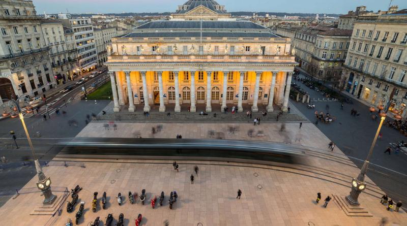 Bordeaux, bons plans et conseil locaux : une équipe d'experts de la destination à disposition des Bordelais